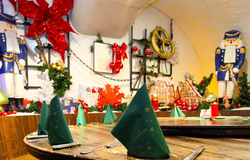 weihnachtsfeier im dresdner pulverturm an der frauenkirche. Black Bedroom Furniture Sets. Home Design Ideas